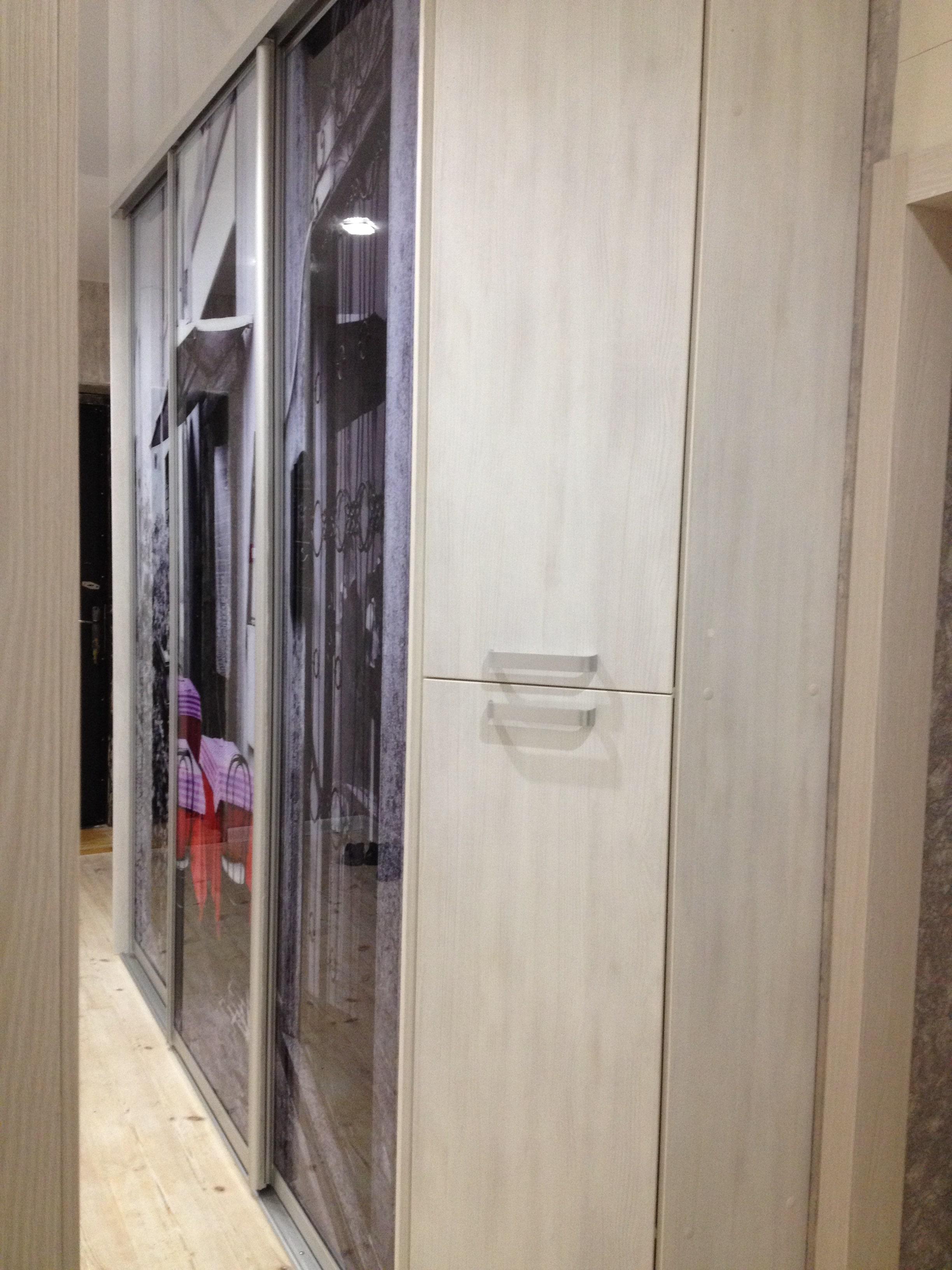 Шкаф-купе в коридор цвет дуб