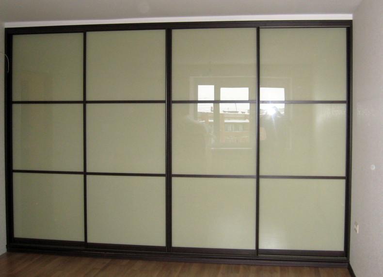 Шкаф-купе двери с крашенным стеклом