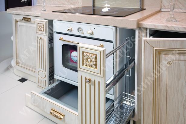 Кухня золотая патина