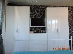 Шкафы распашные белый глянец