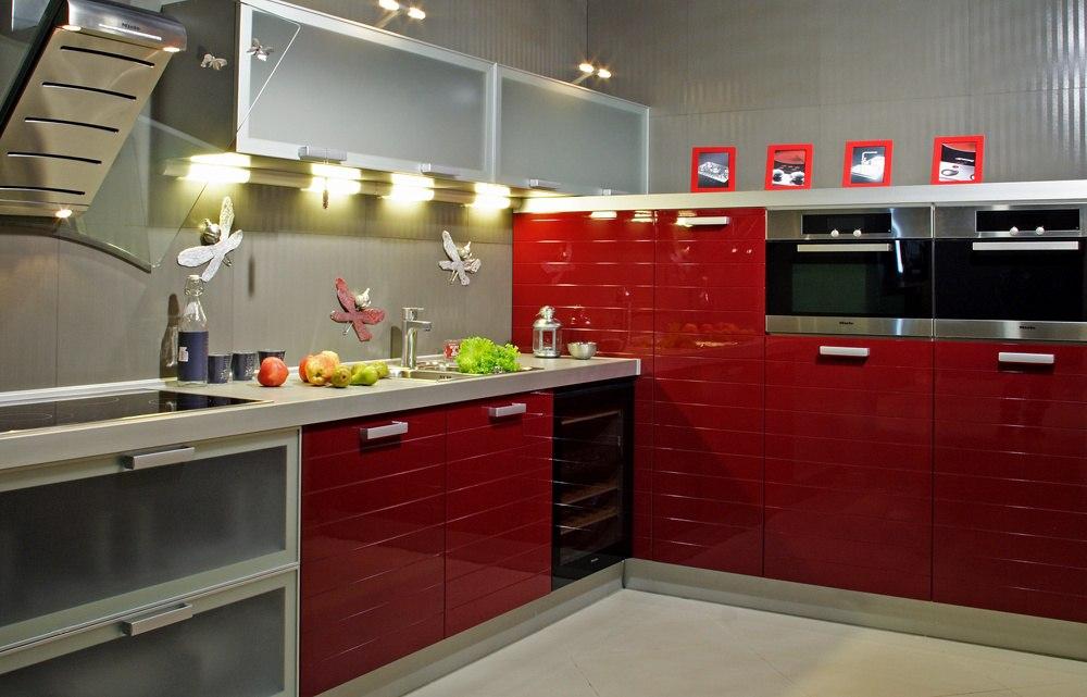 Кухня алюминиевая рамка со стеклом