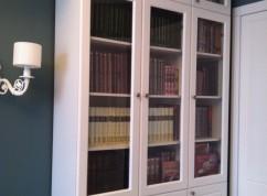 Шкаф под книги