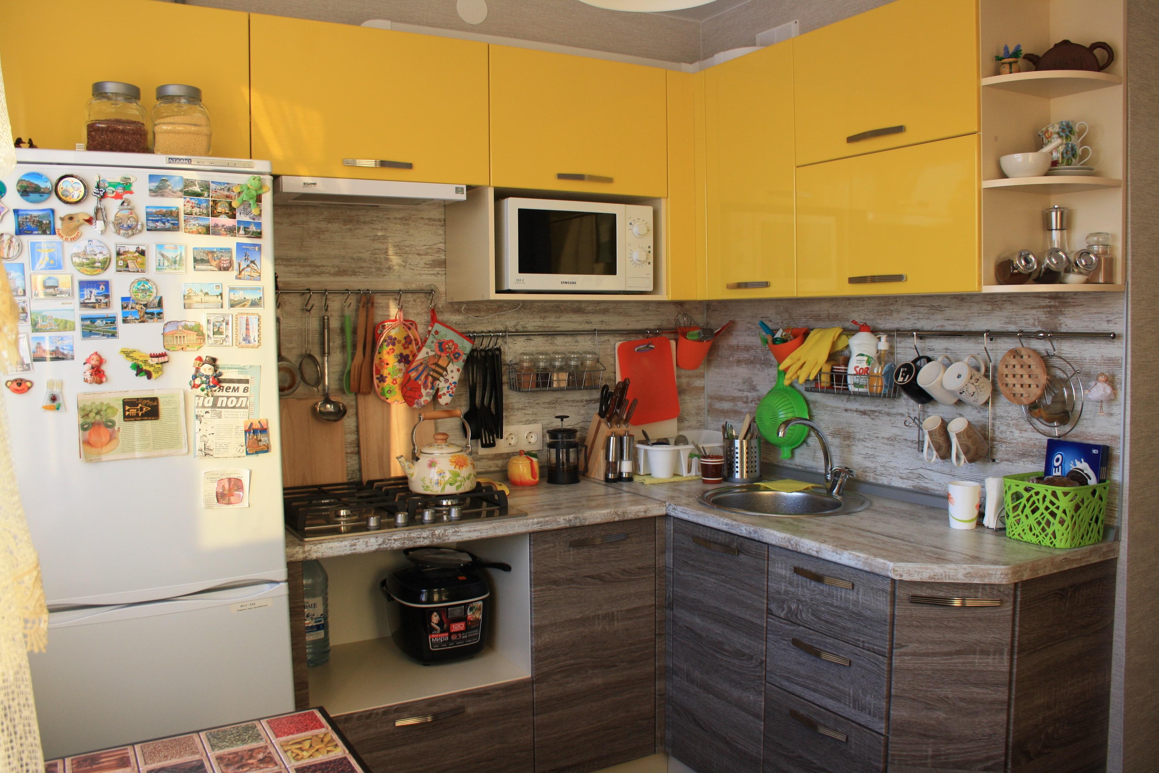 Кухня комбинированные фасады