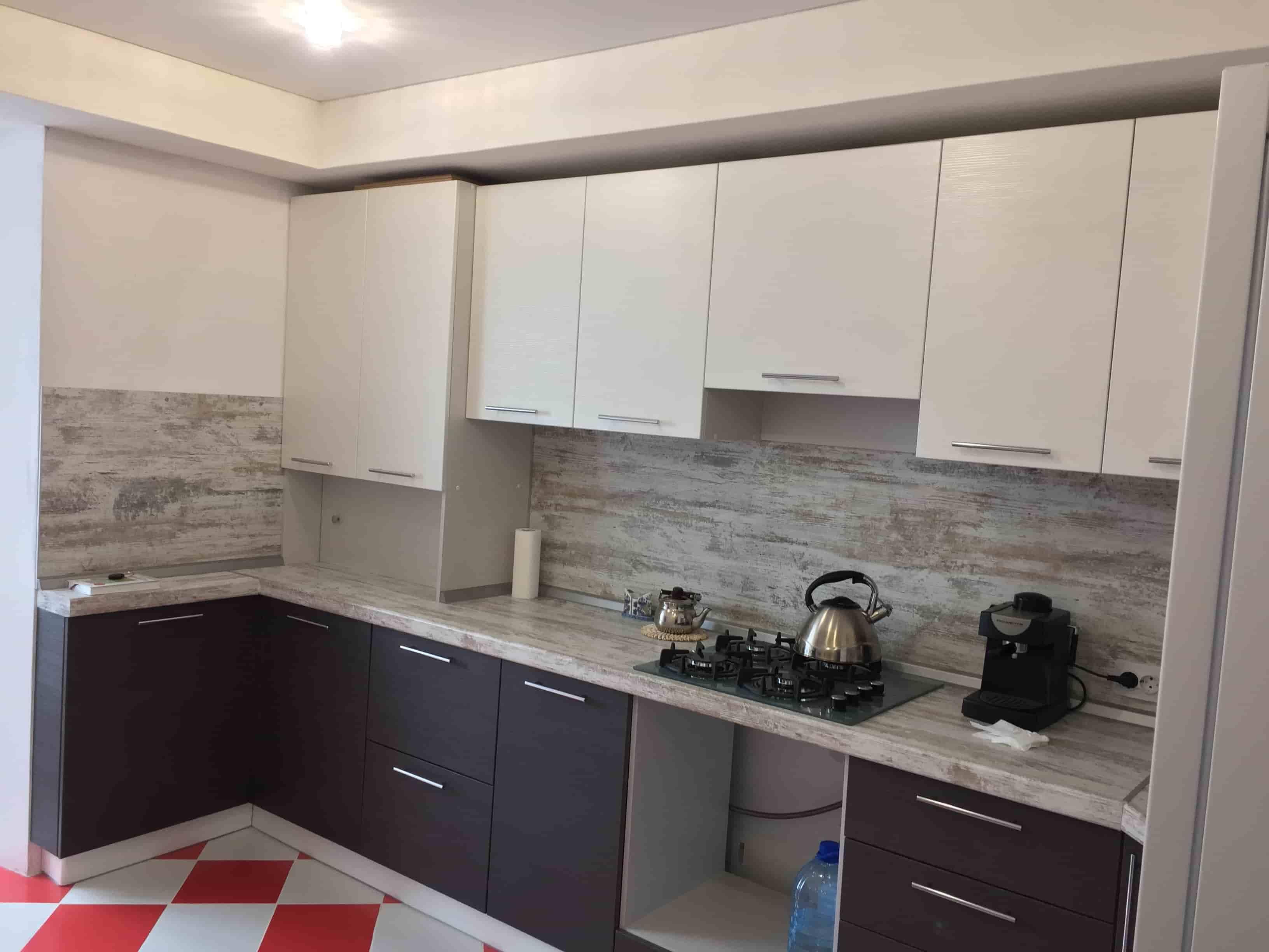 Кухонный гарнитур с комбинированными МДФ