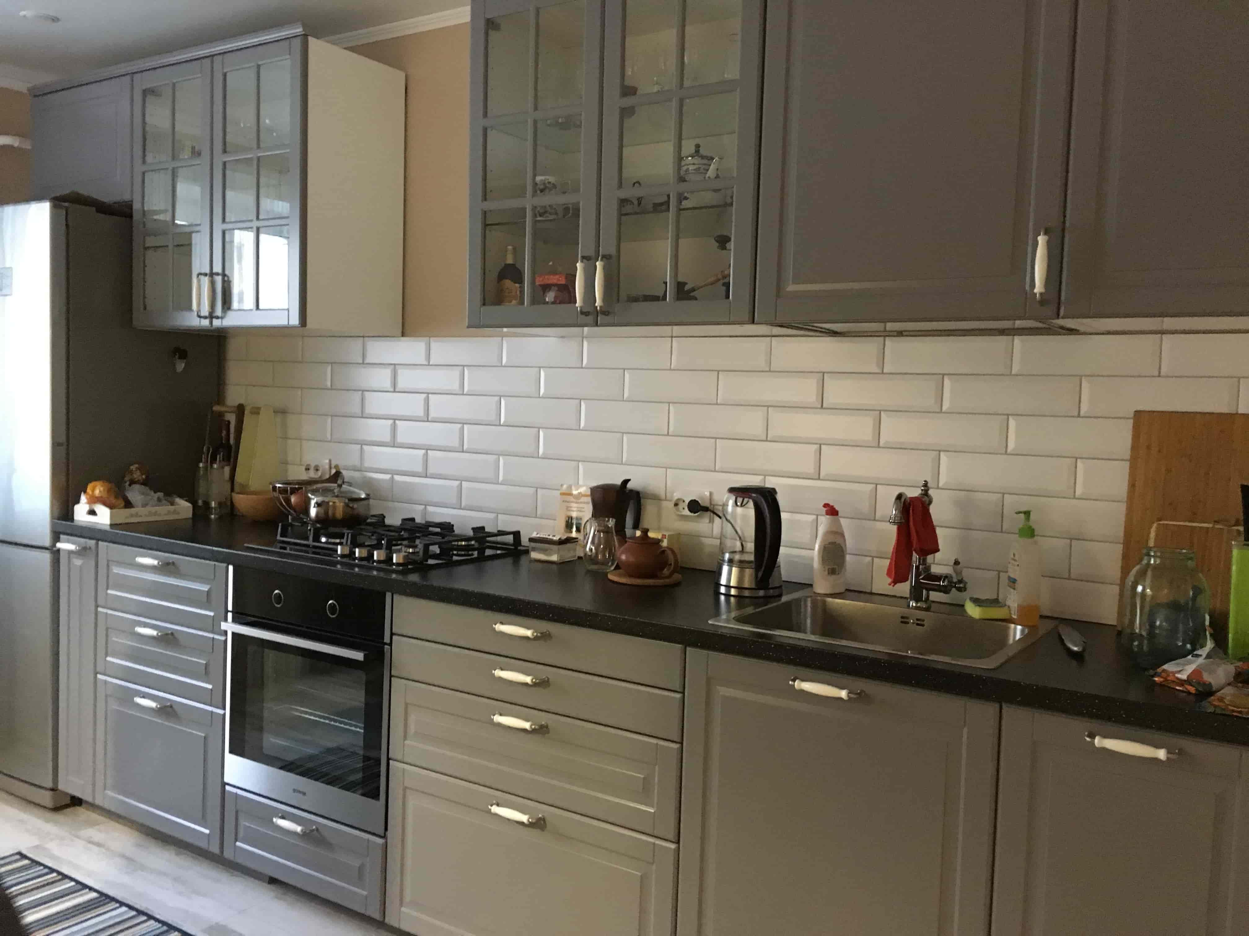 Кухня прямая современная Классика