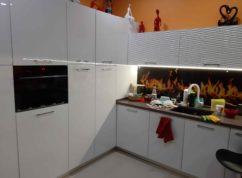 Кухня угловая фасады МДФ фартук скинали