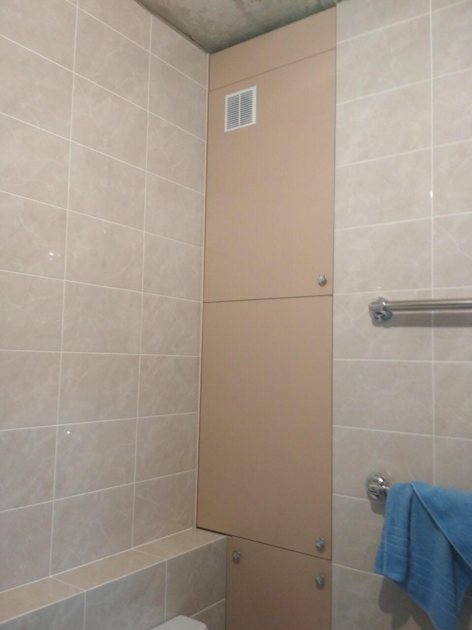 Шкаф встроенный в нише в ванной