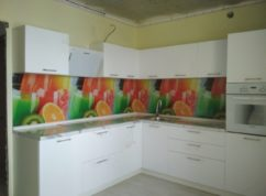 Кухня угловая фасады глянец МДФ