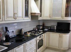 Кухня классика с радиусными фасадами